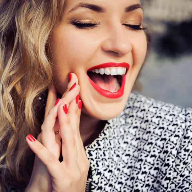 8 astuces très simples pour avoir un teint lumineux