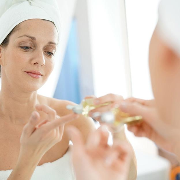 10 règles d'or pour conserver une belle peau d'apparence jeune
