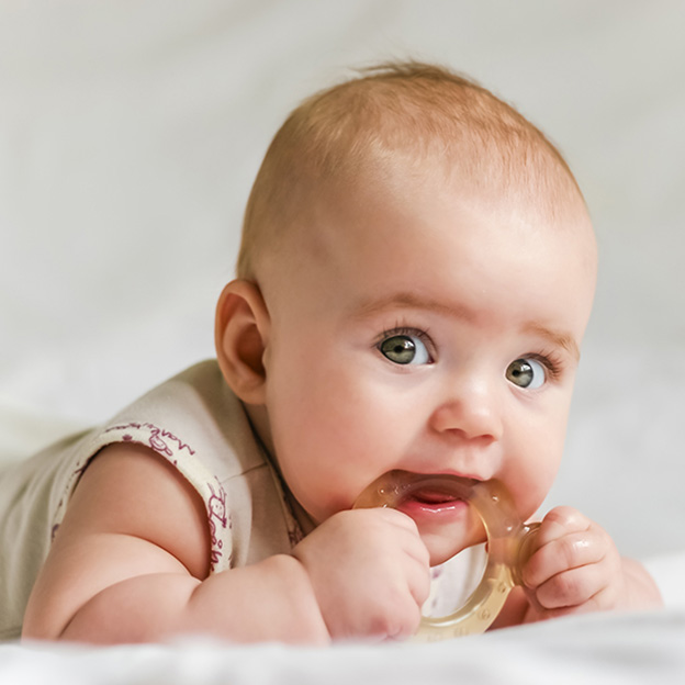 4 ways to relieve teething pain
