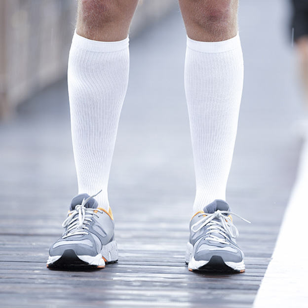 Compression stockings: from bottom to top!