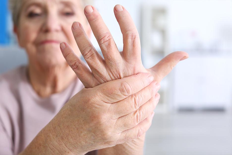 https://www.brunet.ca/globalassets/sante/conseils-sante/l-arthrose-quand-bouger-devient-complique/l-arthrose-quand-bouger-devient-complique-big.jpg