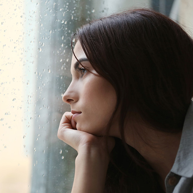 Dépression saisonnière: causes, symptômes et traitements