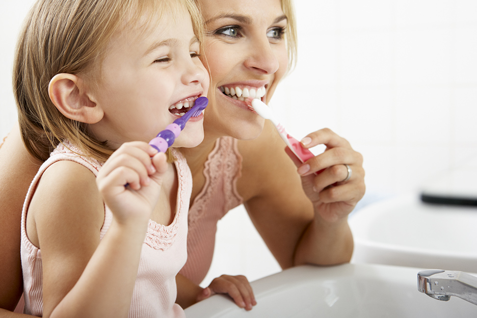 Children: 5 tips to take good care of their small teeth